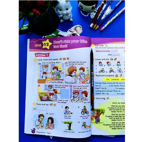 Tiếng Anh Lớp 5 - Sách Học Sinh - Tập 2 (Kèm CD) - Ảnh 1