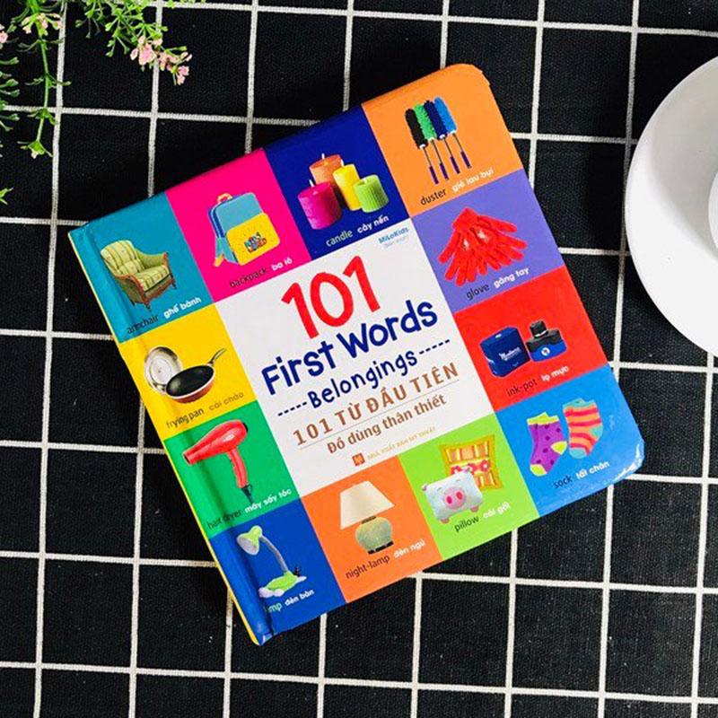 101 First Words - Belongings / 101 Từ Đầu Tiên - Đồ Dùng Thân Thiết - Ảnh 3