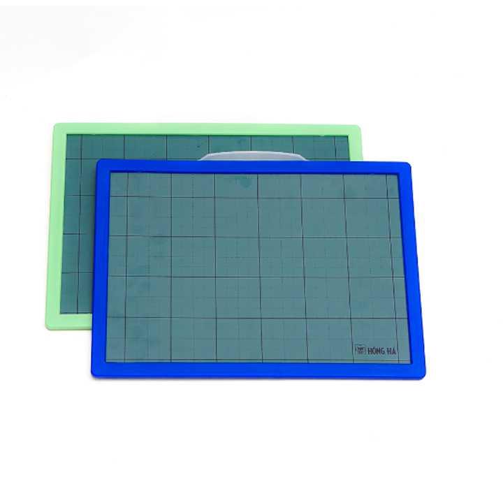 Bảng nhựa học sinh Friendly 3289 - dùng bút và phấn - Ảnh 2